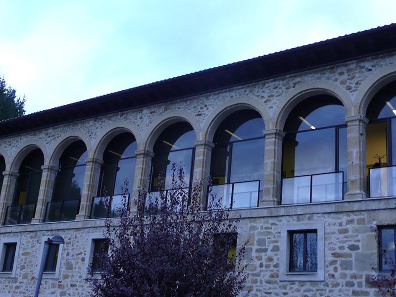 Colegio Ezkoriatza - Ventanas PVC
